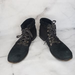 Kenneth cole lace up chukka boots